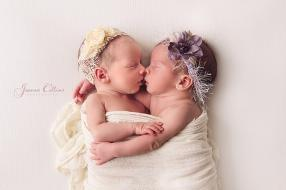 twins newborn photographer kent baby girls